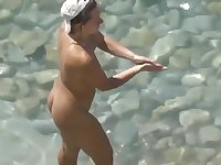 Voyeur. Hubby fucked his wife and cum it at public beach