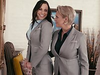 Aidra Fox learns all about lesbian pleasures from Dee Williams