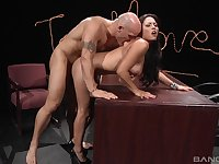 Muscled guy gives it good to sexy Adriana Luna on a desk